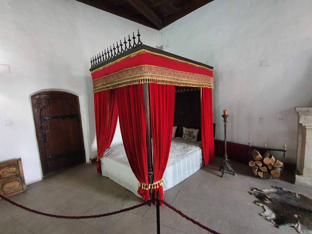 Matia Wing Bedroom